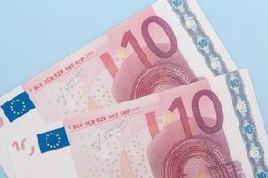 duas notas de dez euros foto