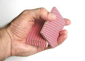 truques de cartas de jogar se concentra foto