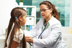 examinando paciente foto