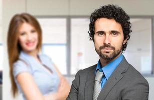 parceiros de negócios no escritório foto