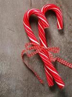 doces de natal de hortelã-pimenta foto