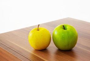 maçãs amarelas e verdes foto