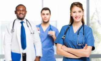 equipe médica multiétnica foto