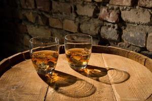 dois copos de uísque