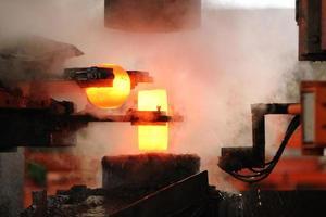 processo automático de estampagem a quente