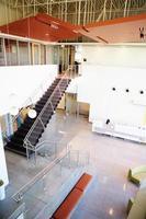área de recepção vazia no escritório moderno foto