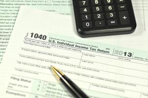 closeup de nós formulários fiscais foto