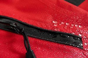 tecnologia impermeável para roupas de montanha foto