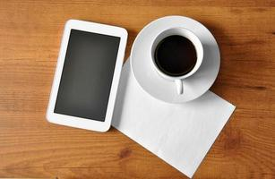 café com tablet digital foto