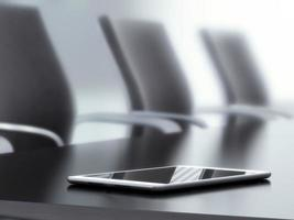 tablet pc na mesa de escritório foto