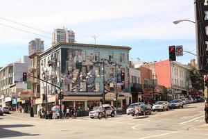 esquina da broadway st. & columbus ave. em são francisco, ca. foto