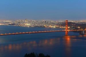 ponte golden gate à noite, são francisco, eua foto