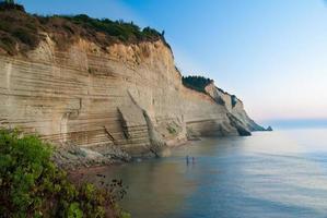 praia de loggas (praia peroulades, sunset beach) ilha de corfu, grécia