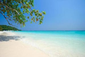 praia de andaman foto