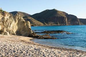 praia isolada foto