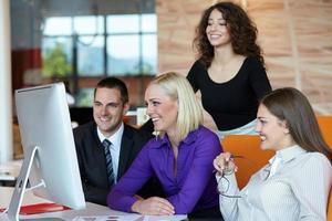 reunião de pessoas de negócios foto
