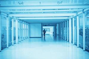 corredor do escritório foto