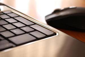 teclas e mouse para laptop foto