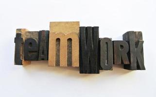 trabalho em equipe letras woodtype foto