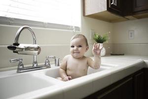 bebê na pia foto