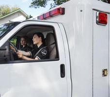 motorista de ambulância foto