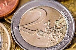 conceito de finanças closeup moeda dois euro foto