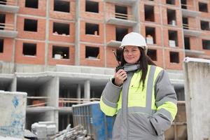 engenheiro civil no local de construção foto