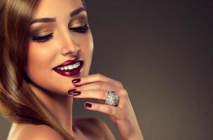 estilo de moda de luxo, unhas manicure. foto