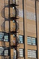 escada de incêndio em espiral
