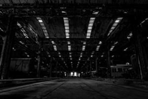 grande salão industrial de uma estação de reparo