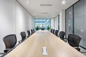 interior da sala de reuniões do escritório moderno