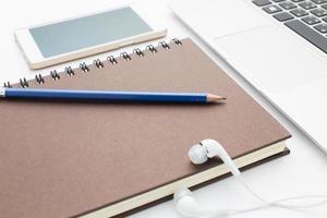 agenda e laptop foto