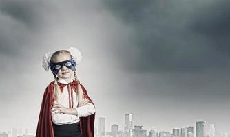 super-criança corajosa foto