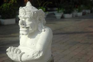 estátua balinesa foto