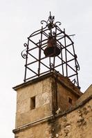 campanário da igreja gigondas foto