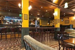 interior de um pub foto