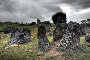 os jarros de pedra do laos - hdr foto