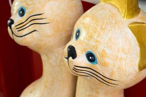 boneca de gato de cerâmica foto