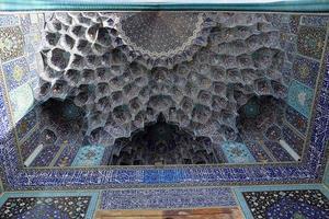 teto da mesquita imã (xá) na praça naqsh-e jahan, esfahan foto