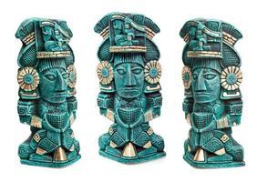 estátua da divindade maia do México isolado foto