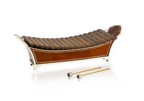 instrumento de música de madeira xilofone tailandês isolado
