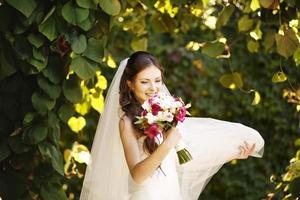 jovem noiva caucasiana