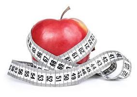 maçã vermelha com medição foto
