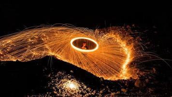 rotação de fogo leve foto