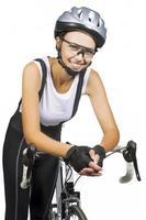 retrato de jovem atleta feminina caucasiana em roupa profissional foto
