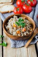 trigo sarraceno com legumes foto