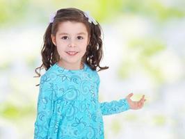 retrato de uma menina bonita. foto