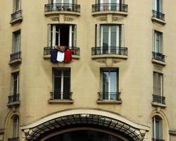 janela de paris bandeira francesa
