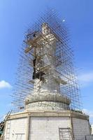 estátua de kuan yin foto