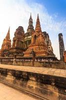 parque histórico de sukhothai a cidade velha da Tailândia foto